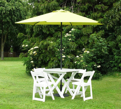 Picnic Table Chairs With Green Parasol Total Event Rental - Picnic table parasol